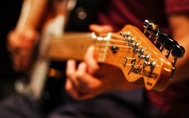 Как легко научиться играть на гитаре